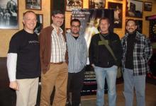 """Con el compositor Carles Cases, y con los compañeros de la ACDMC Jaume Claver y Germán Barón tras el coloquio sobre """"Música al cinema de terror"""" en las 12 hores de cinema de Terror de Molins de Rei (Barcelona) (2007)"""
