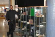 """En la exposición """"La banda sonora de la nostra vida"""", en el Centre Cívic El Carmel (2007)"""