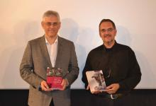 Con Vicente J.Benet, tras recibir ex-aequo, el Premio Ricardo Muñoz Suay de Investigación, otorgado por la Academia de las Artes y las Ciencias Cinematogràficas de España (2013)