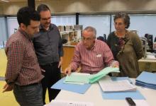 Con el compositor Arnau Bataller y la ex-directora de la Biblioteca de la Filmoteca de Catalunya, Mercè Rueda, revisando con José Nieto sus partituras de cine.